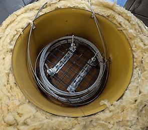 Кабель-датчик внутри специального короба во время климатических испытаний